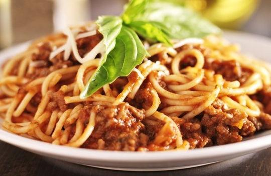 Esparguete à bolonhesa com seitan